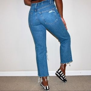 Vintage Jeans - Distressed Classic Mom Jean Vintage Cropped Denim